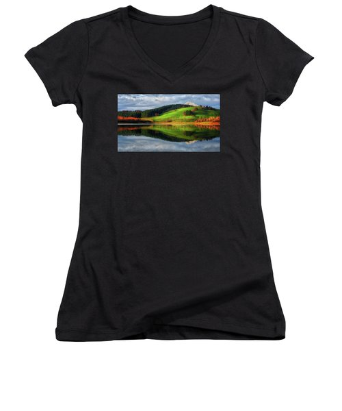 Urkulu Reservoir Women's V-Neck