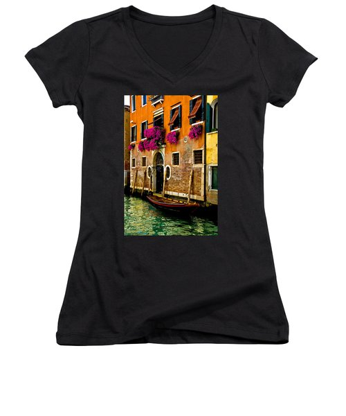 Venice Facade Women's V-Neck T-Shirt