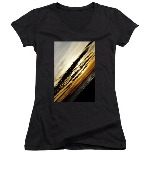 Vertical Horizon Women's V-Neck (Athletic Fit)