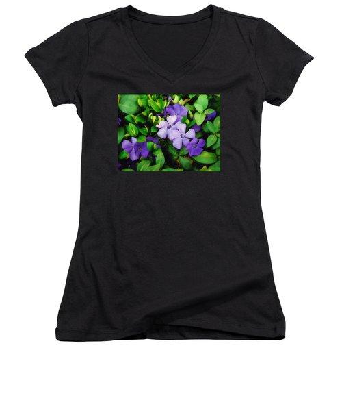 Vinca Women's V-Neck T-Shirt