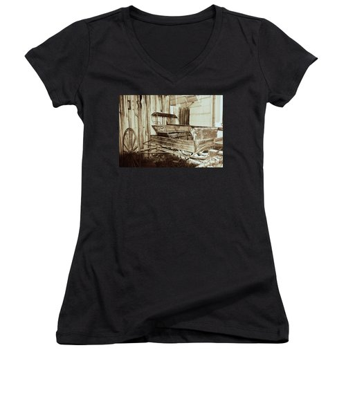 Vintage Carriage Women's V-Neck T-Shirt