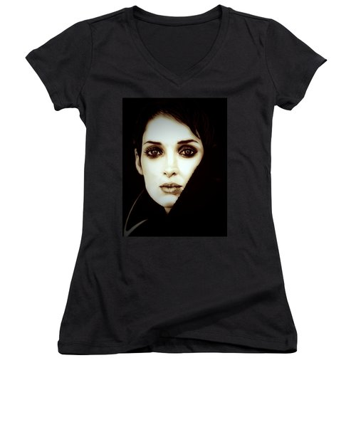 Vintage Winona Ryder Women's V-Neck T-Shirt (Junior Cut) by Fred Larucci