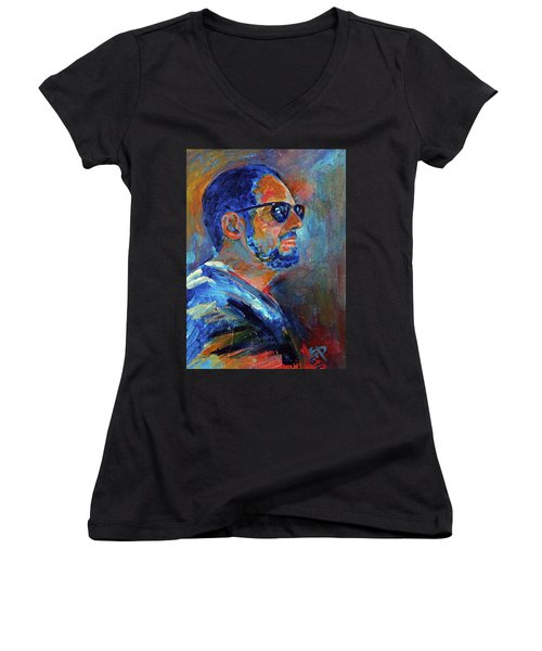 Warren Gazing At The Surf Women's V-Neck T-Shirt (Junior Cut) by Walter Fahmy