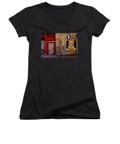 West Village Wall Nyc Women's V-Neck T-Shirt