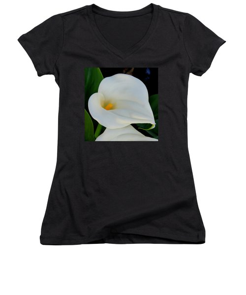 White Cala Lily Women's V-Neck (Athletic Fit)