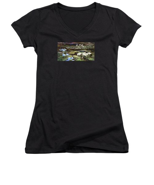 White Waterlilies In Tower Grove Park Women's V-Neck T-Shirt