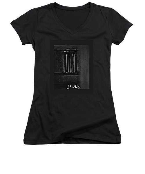 Window 3776 Women's V-Neck