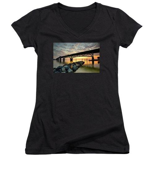 York River Sunrise Women's V-Neck T-Shirt