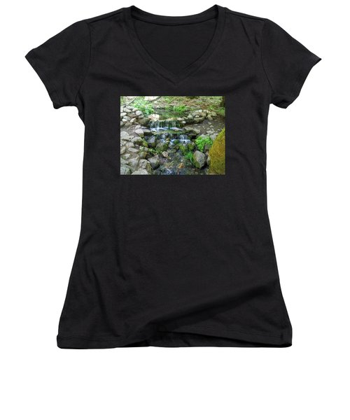 Yosemite Stream Women's V-Neck
