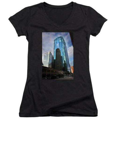Minneapolis Skyline Photography Foshay Tower Women's V-Neck