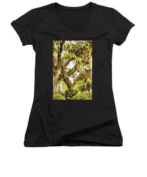 Old Mossy Oaks Women's V-Neck