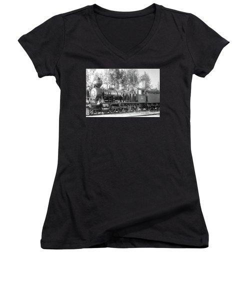 Steam Engine Locomotive 594 Finland Women's V-Neck