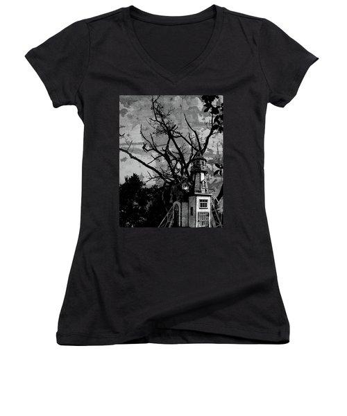 Treehouse I Women's V-Neck