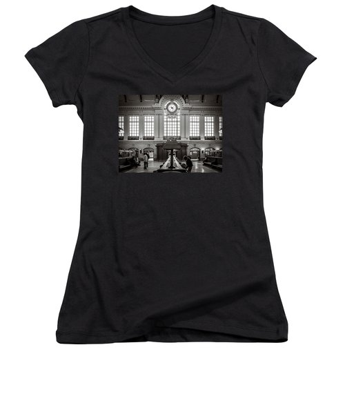 Women's V-Neck featuring the photograph Waiting Room by Steve Stanger