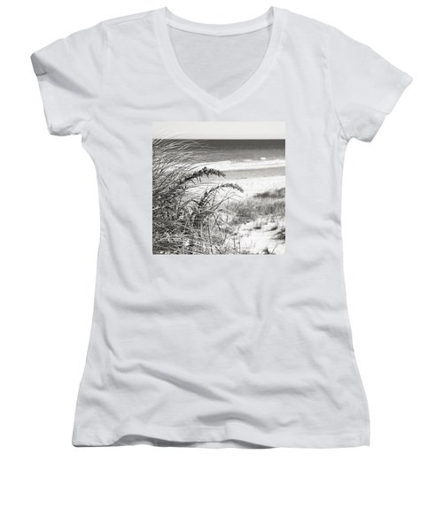 Bw15 Women's V-Neck