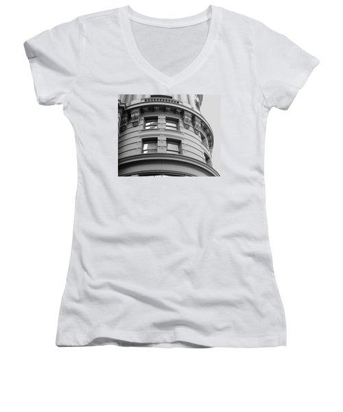 Circular Building Details San Francisco Bw Women's V-Neck T-Shirt (Junior Cut) by Connie Fox