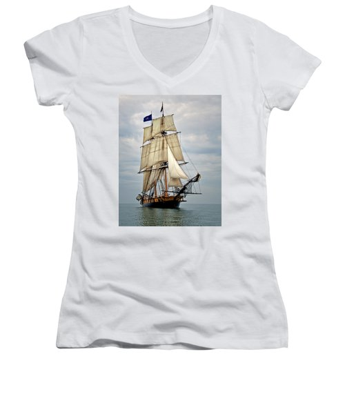 Flagship Niagara Women's V-Neck
