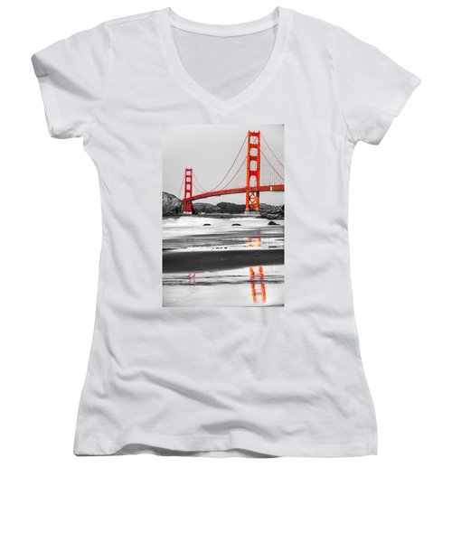Golden Gate - San Francisco - California - Usa Women's V-Neck T-Shirt