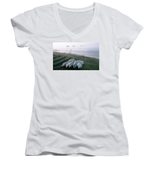 Women's V-Neck T-Shirt (Junior Cut) featuring the photograph Patiently Waiting by David Porteus