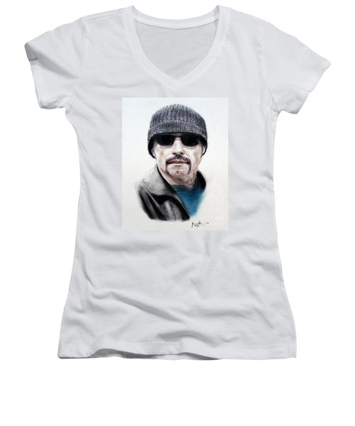 John Travolta In The Taking Of Pelham 123  Women's V-Neck T-Shirt (Junior Cut) by Jim Fitzpatrick