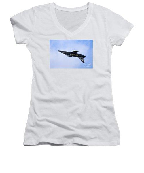 Breitling Air Display Team Women's V-Neck T-Shirt (Junior Cut) by Nir Ben-Yosef