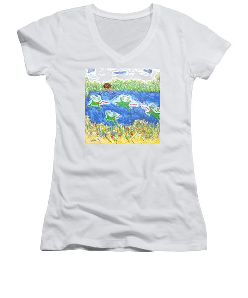 4 Frogs And A Bear Women's V-Neck (Athletic Fit)
