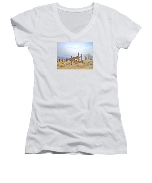 A Cowboys Echo Women's V-Neck T-Shirt