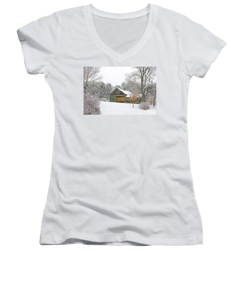 Barn In Winter Women's V-Neck T-Shirt