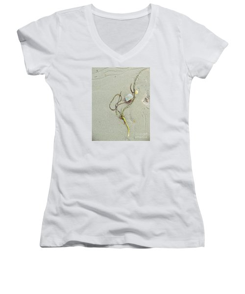 Beach Arrangement 5 Women's V-Neck T-Shirt