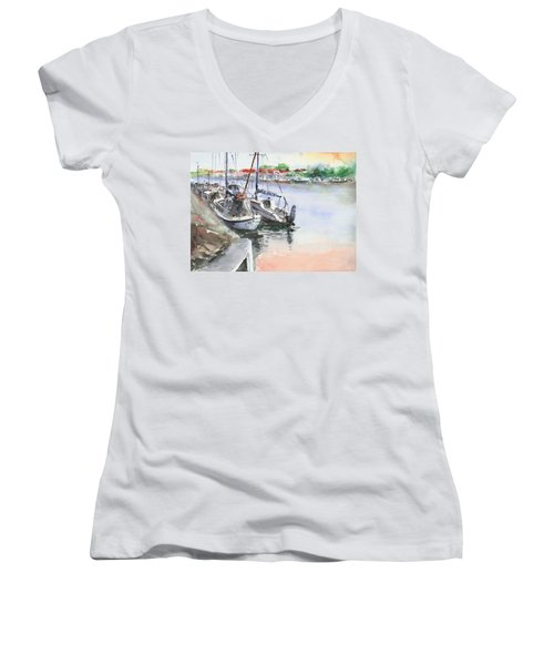 Boats Inshore Women's V-Neck T-Shirt