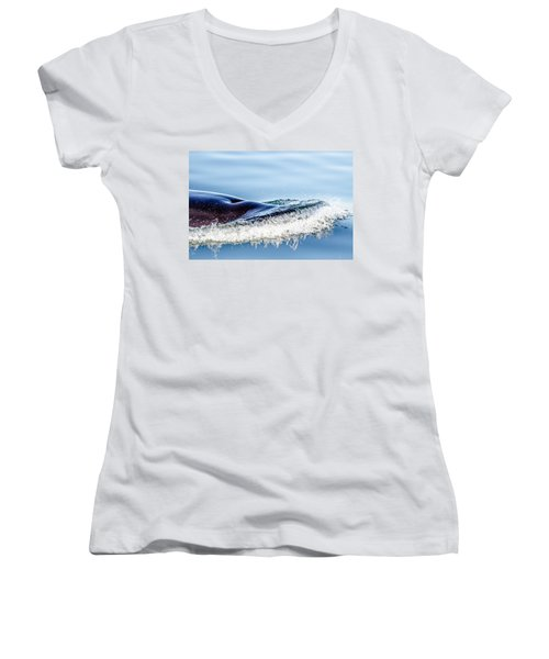 Women's V-Neck featuring the photograph Breaking The Surface by Roxy Hurtubise