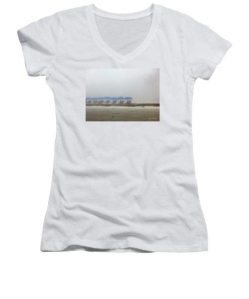 'brella Pattern Women's V-Neck T-Shirt