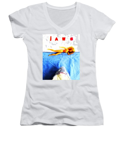 Da Dum...da Dum... Women's V-Neck T-Shirt