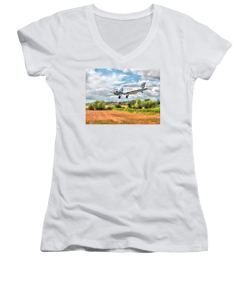Women's V-Neck T-Shirt (Junior Cut) featuring the digital art Dakota - Cleared To Land by Paul Gulliver