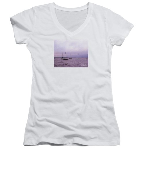 Delaware Harbor Women's V-Neck T-Shirt