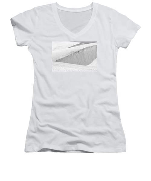 Dune Abstract, Paryang, 2011 Women's V-Neck