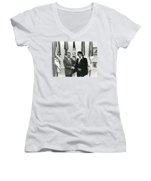 Elvis And Nixon Women's V-Neck T-Shirt (Junior Cut) by Unknown