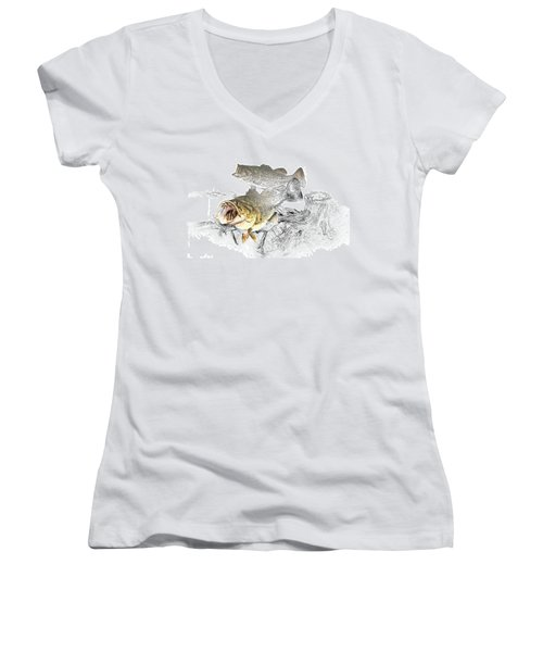 Feeding Largemouth Black Bass Women's V-Neck T-Shirt