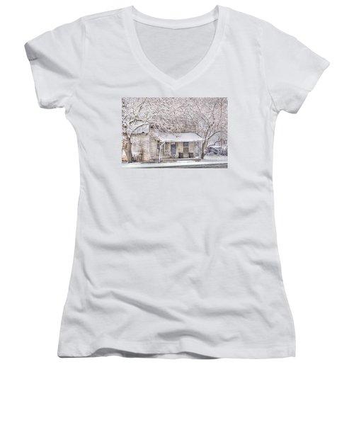 Freshwater Grocery Women's V-Neck T-Shirt