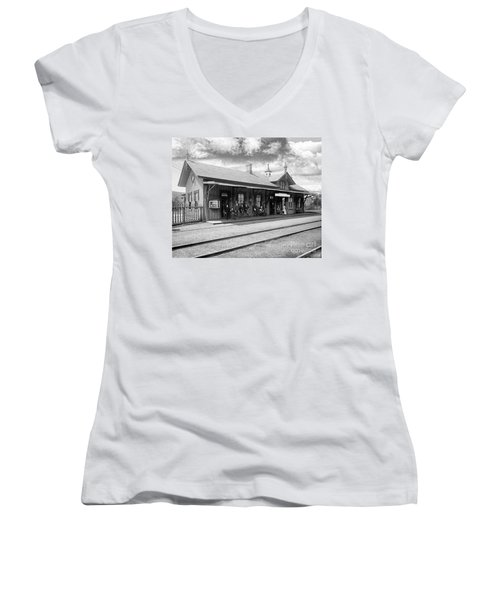 Garrison Train Station In Black And White Women's V-Neck T-Shirt