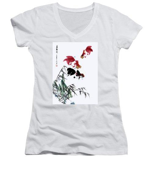Gold Fish Women's V-Neck T-Shirt (Junior Cut) by Yufeng Wang