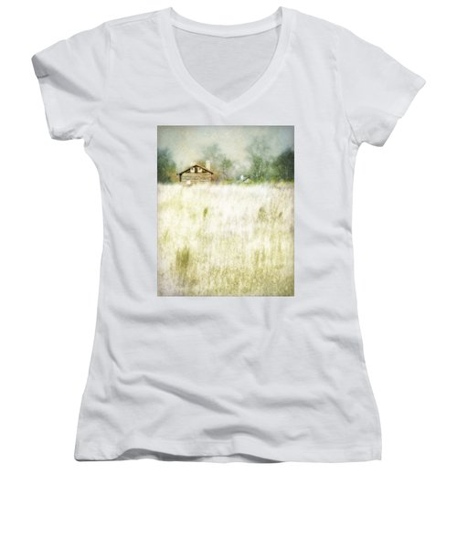 Grasslands Women's V-Neck (Athletic Fit)