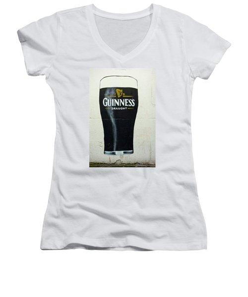 Guinness - The Perfect Pint Women's V-Neck