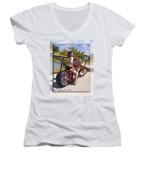 H-d_d2 Women's V-Neck T-Shirt
