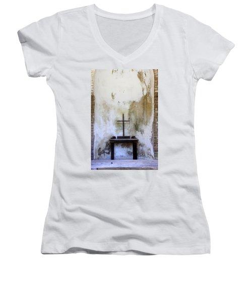 Historic Hope Women's V-Neck T-Shirt