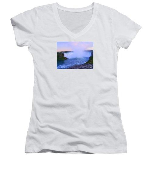 Horseshoe Falls Sunset In The Summer Women's V-Neck T-Shirt (Junior Cut) by Lingfai Leung