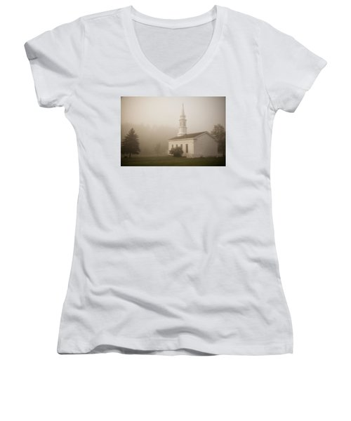 Women's V-Neck featuring the photograph In The Midst by Dale Kincaid