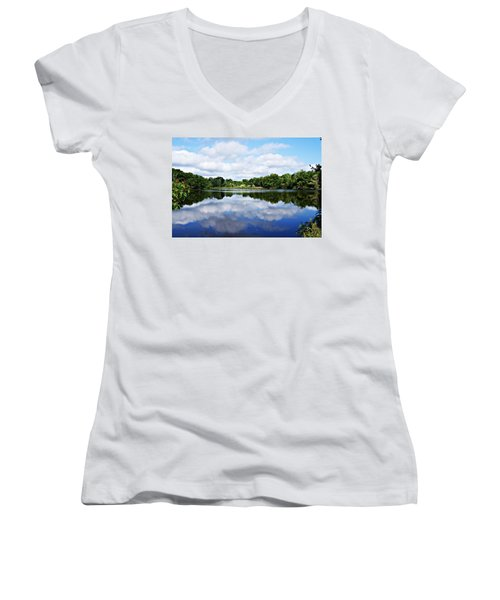 Lagoon IIi Women's V-Neck (Athletic Fit)