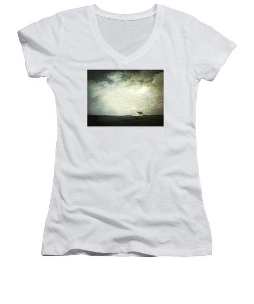 Lancaster Ohio Barn 3 Women's V-Neck T-Shirt
