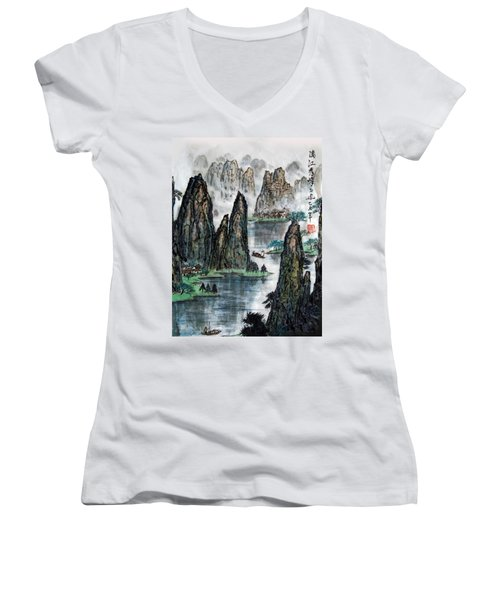 Li River Women's V-Neck T-Shirt